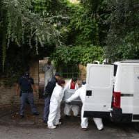 Ravenna, l'autopsia sul corpo della 40enne uccisa, poi i funerali