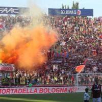 Tanti auguri caro Bologna, festa davanti al Nettuno