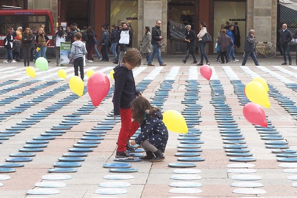 Bologna, 10mila piatti per sfamare l'Africa