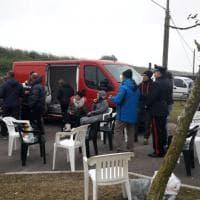 Migranti, barricate a Gorino contro dodici donne e otto bambini