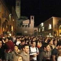 Bologna, la movida notturna intasa le fogne