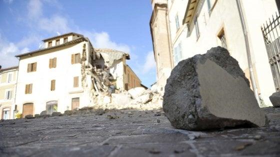 """Terremoto, mille euro  a testa da consiglieri e assessori dell'Emilia-Romagna per """"adottare"""" un Comune"""