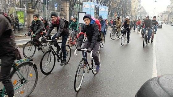 Bologna, contro i furti arriva al cinema la marchiatura della bicicletta