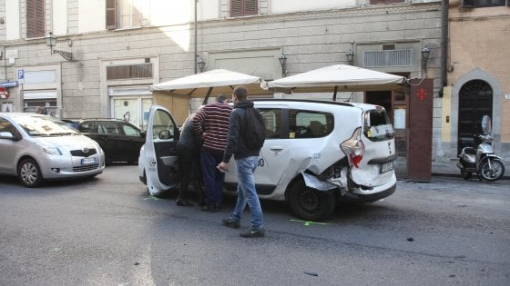 """Un incidente su quattro in Emilia-Romagna causato da tablet e smartphone"""