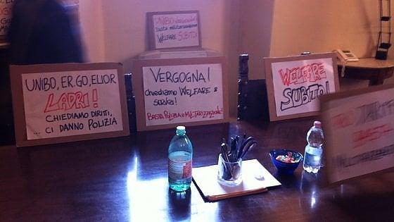 Bologna, caro-mense: occupato l'ufficio della prorettora