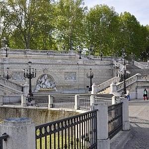 Bologna, via libera al restauro della scalinata del Pincio