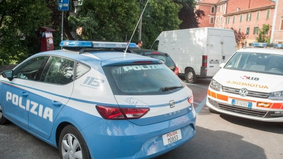 Bologna, agente si spara in pronto soccorso ospedale: in coma