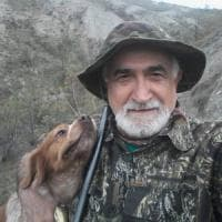 Modena, blitz degli animalisti contro don Pierino, il parroco-cacciatore