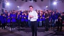 Musica, Mika  canta con i detenuti  del Coro Papageno