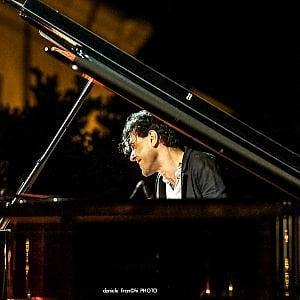 Ezio Bosso apre al pubblico le prove del suo concerto al Comunale di Bologna: da oggi nel foyer e da martedì in sala