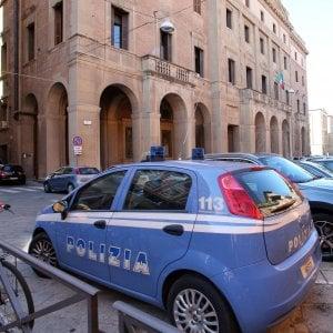 Cesena, offende la polizia su Facebook: denunciata una donna