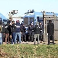Dopo la rivolta, cento migranti da Cona all'Emilia-Romagna