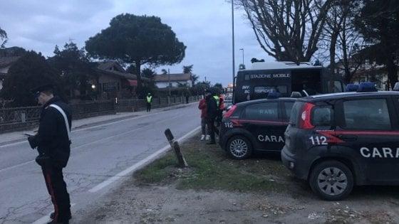 Marito e moglie trovati uccisi nel Ferrarese, sui corpi segni d'aggressione