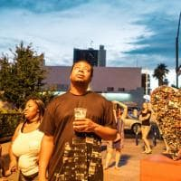 Romantico, surreale: l'amore a Las Vegas negli scatti del fotografo bolognese Federico Possati