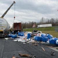 Scontro fra Tir sull'A1, un morto a Modena