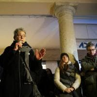 """Rimini, l'abbraccio della città a Gessica, sfregiata dall'ex: """"Mai più violenza contro le donne"""""""