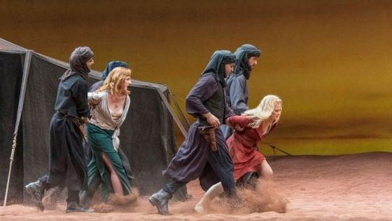 Il Ratto di Mozart a Bologna, uno spettacolo discutibile ma senza voyeurismi né provocazioni