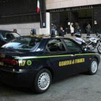 Truffa amici e clienti e intasca 700mila euro: a processo promoter finanziario di Bologna