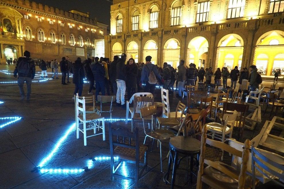 Bologna s'illumina con la notte bianca dell'arte: il fotoracconto