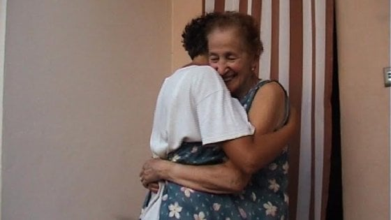 Forlì, l'amore per una mamma colpita dall'Alzheimer: la storia di Ede diventa un film