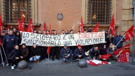 Mondo convenienza rientrano i 32 lavoratori sospesi dopo for Mondo bologna