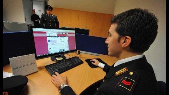 Adescava minorenni online, denunciato 40enne a Imola