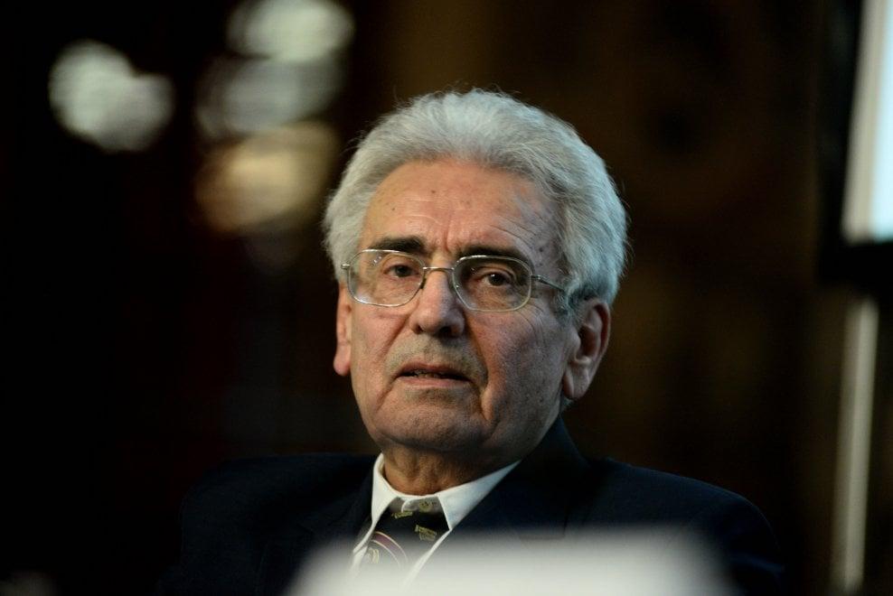Bologna conferisce l'Archiginnasio d'oro a Vincenzo Balzani