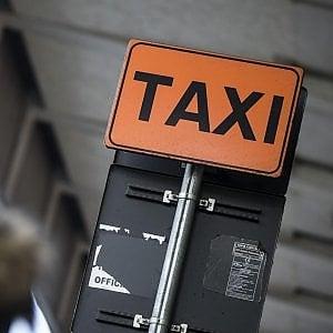 Bologna, ipotesi taxi in Piazza Verdi anche per i T-Days