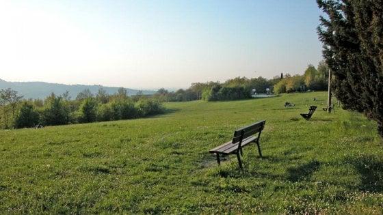 Bologna, 45enne trovato morto nel parco Cavaioni: probabile overdose