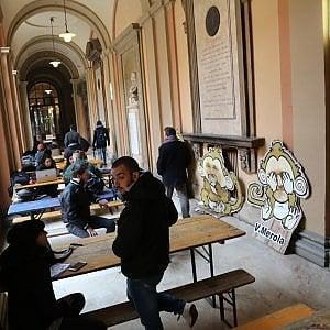 """Università, i collettivi in rettorato chiedono la riapertura del """"36"""""""