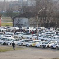 Taxi a passo d'uomo in tangenziale a Bologna