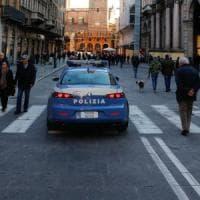 Bologna, donna aggredita in casa da tre rapinatori