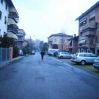 Reggio Emilia, in tre puntano la pistola a un 14enne per rubargli lo smartphone