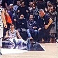 Bologna, pane gratis ai poveri: così il tifoso virtussino paga le sue insolenze