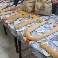Bologna, il tifoso della Virtus dona il pane alle Cucine Popolari