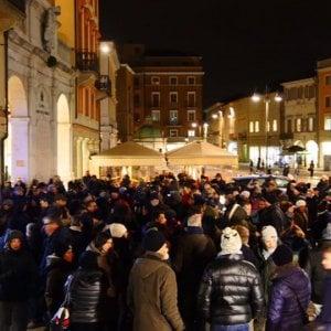 Rimini sfregiata con acido revocata carta di soggiorno a for Soggiorno rimini