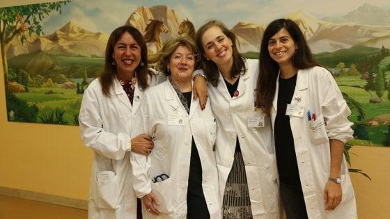 Bologna, quel reparto è una rarità: solo donne in camice bianco