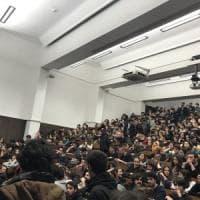 Università di Bologna, studenti contro il rincaro delle tasse
