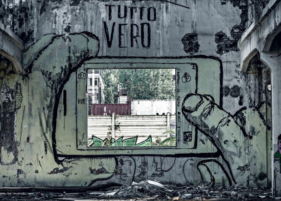 Le Officine Reggiane di Reggio Emilia, il più grande laboratorio di street art in Europa