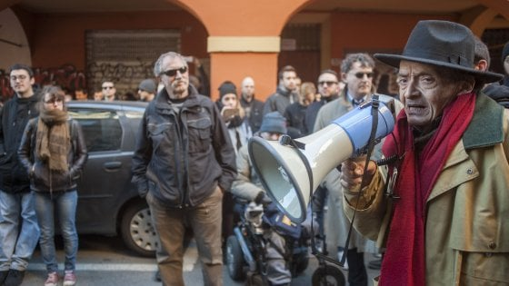 Bologna, fascicolo per istigazione a delinquere contro ex leader di Potere operaio