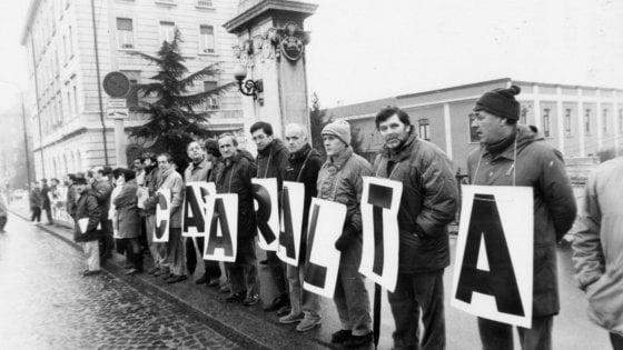 Morti per amianto, tre condanne per le ex Casaralta di Bologna