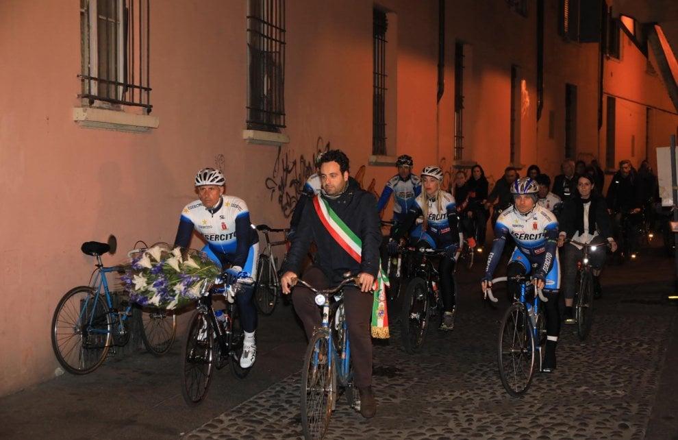 Bologna in bici per Marco Biagi