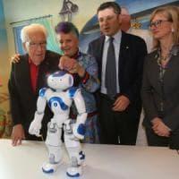 Bologna, in ospedale c'è Marino: il robot che insegna ai piccoli pazienti a non aver paura