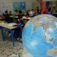 Studenti intossicati al pronto soccorso e classi evacuate: il giorno nero delle scuole in...