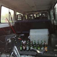 Vigilesse sequestrano 75 bottiglie di birra ai Giardini Margherita di Bologna