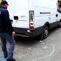 Rimini scende in piazza contro il razzismo dopo l'aggressione al richiedente asilo