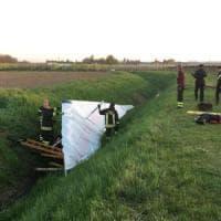 Precipita col deltaplano nel Modenese, 56enne si salva ma è grave