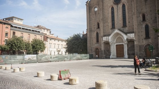 """Bologna, il comitato pro pedoni: """"No al traffico in piazza San Francesco"""""""