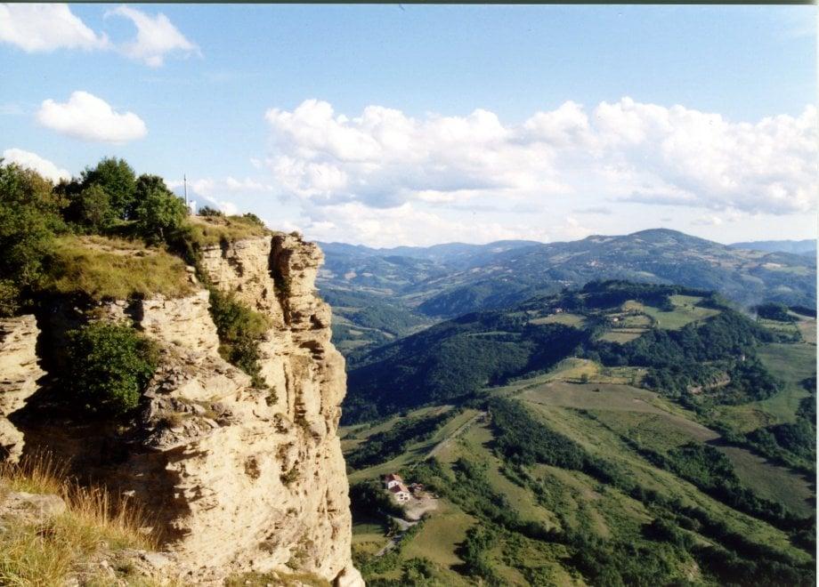 Camminando lungo la storia: trekking sulla Linea gotica