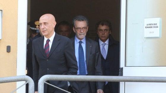 """Il ministro Minniti incontra le famiglie delle vittime del killer """"Igor"""""""